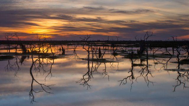 16 x 9 widescreen images Sunset, Banado La Estrella
